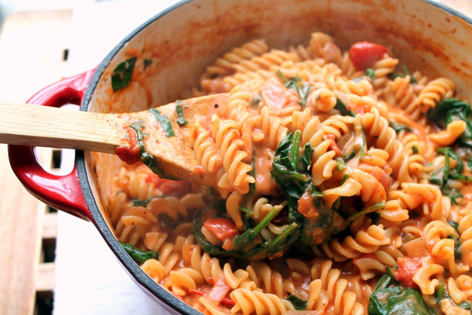 vegansk-pasta-med-tomatsaus